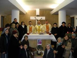 Participanții la Sf. Liturghie de comemorare a 7 ani de la trecerea la cele veșnice a Pr. Anton Demeter