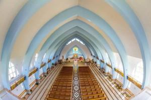 Interiorul bisericii din Nisiporești