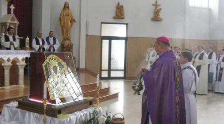 PS Petru Gherghel, Episcop de Iaşi, în capela Institutului Teologic Franciscan din Roman