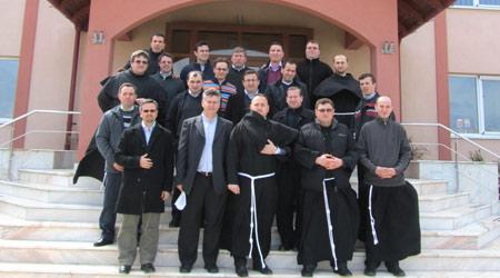 """Întâlnirea economilor Provinciei """"Sf. Iosif"""", OFMConv. din RO (2013)"""
