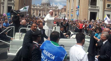 Papa Francisc a participat la Marșul vieții de la Roma